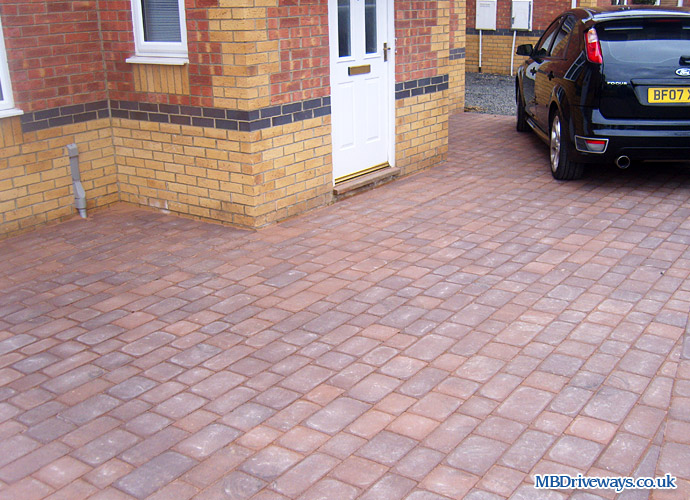 driveway, thomas armstrong, armpave, rectangle, recessed manhole cover, slate, edging