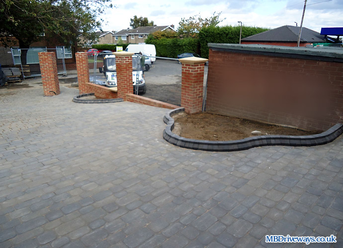 driveway, beds, flower beds, edging, edge, boot kurb, thomas armstrong, beamish cobbles