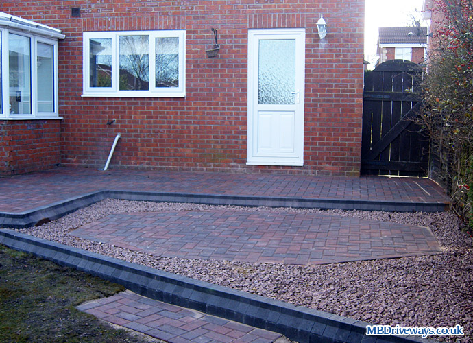 patio, edging, red gravel, chippings, boot kerb,