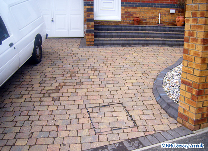 driveway, steps, recessed, manhole, cover, boot kerb, edging, sunset, brett, blocks, block paving