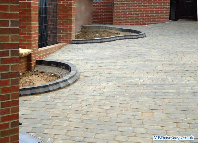 driveway, edging, beds, flower beds, edge, boot kurb, thomas armstrong, beamish cobbles