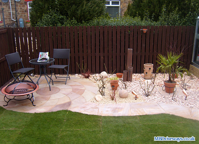 path, patio, step, gravel, gravelling, turf, stepping stones, slate, turfing, landscaping, step, polished, sand, stone, lighting, planting, garden, gardening, circle
